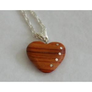 Pendentif bois coeur