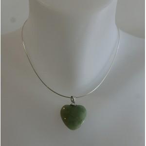 Pendentif coeur jade sur chaîne argent