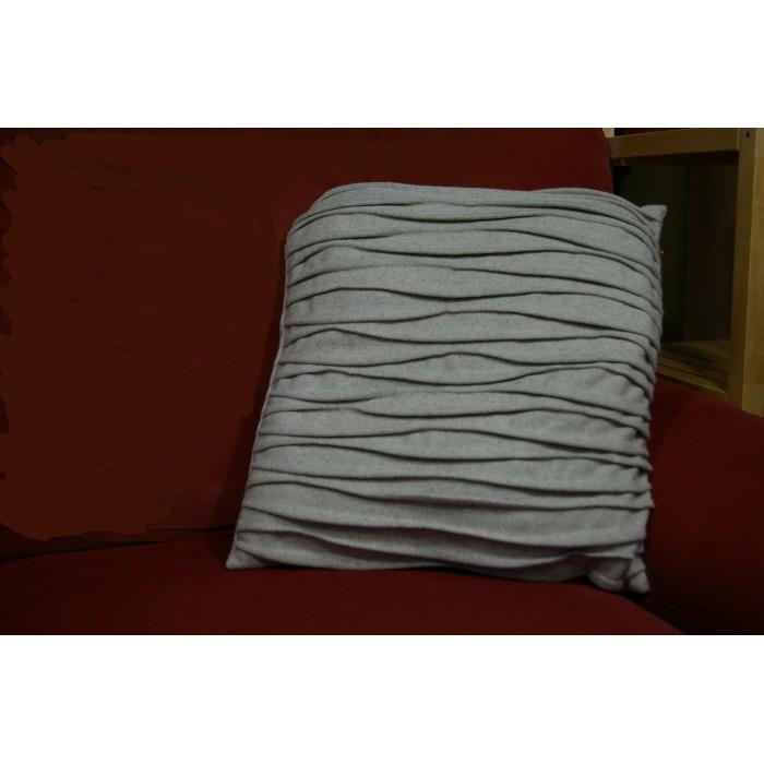 coussin en laine recycl e ivoire cadeaux pour toi et moi. Black Bedroom Furniture Sets. Home Design Ideas